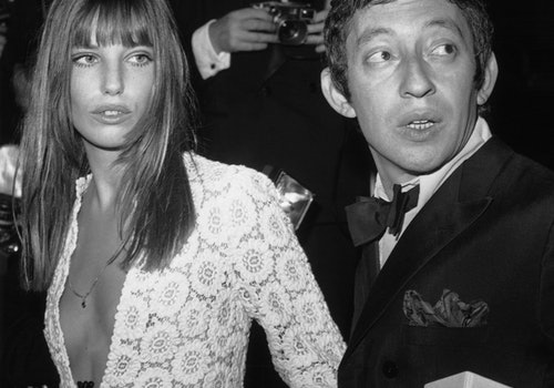 FRANCE - APRIL 25:  Serge GAINSBOURG and Jane BIRKIN arriving at the Artists Union's Gala, Paris.  (Photo by Keystone-France/Gamma-Keystone via Getty Images)