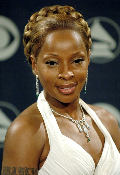Mary J. Blige wore her hair in a braided crown at the 48th Annual Grammy Awards.