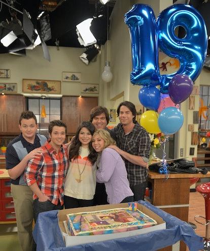 BURBANK, CA - MAY 14:  iCarly's Miranda Cosgrove celebrated her 19th birthday today Monday, May 14 o...