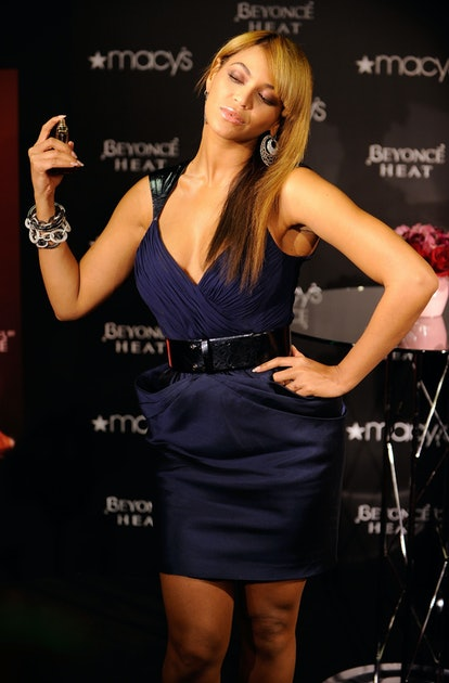 Beyonce promotes Heat in 2010.