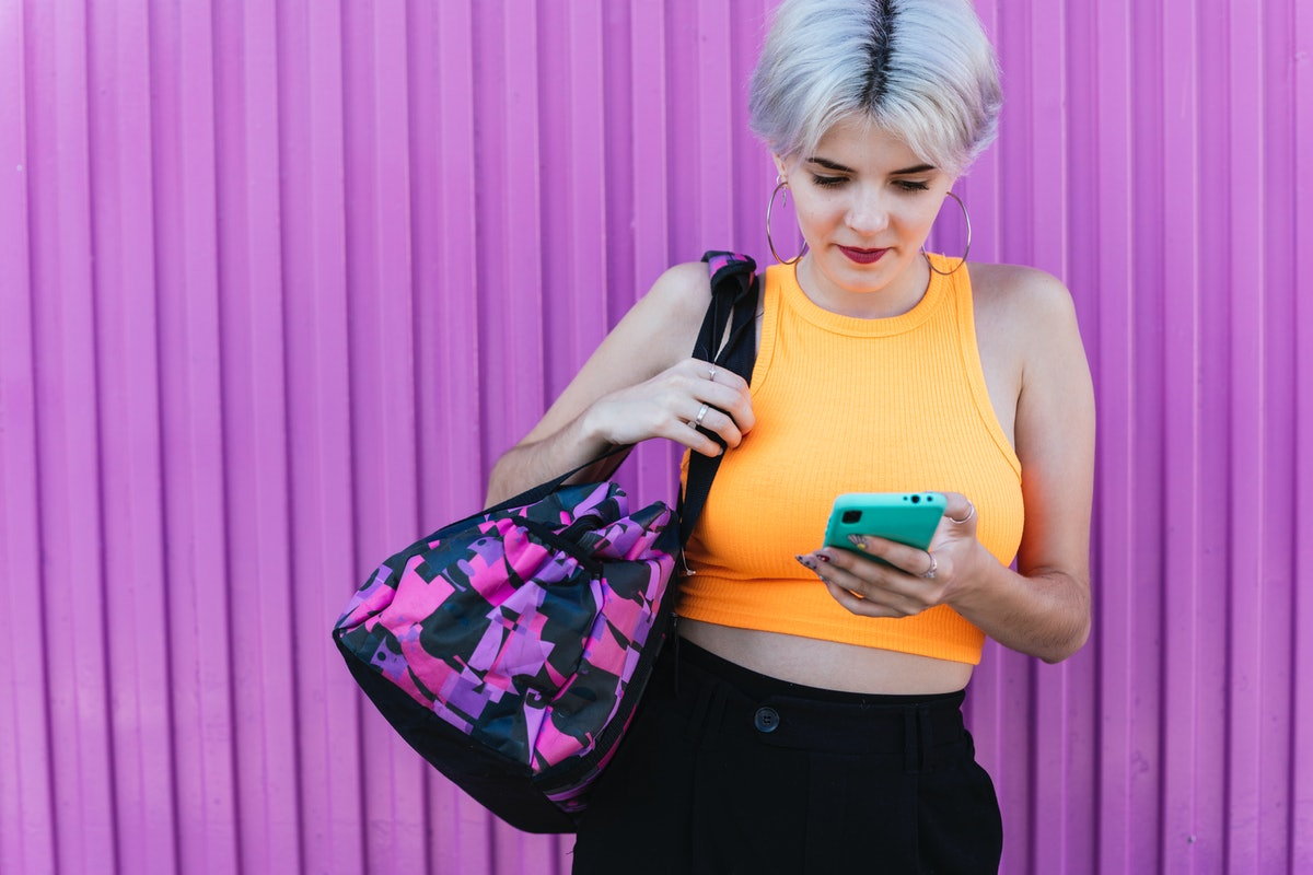 If you want to spend more time with your partner, here's how to ask over text.