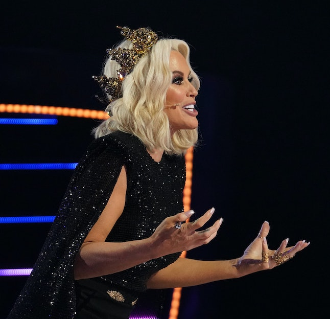 THE MASKED SINGER: Panelist Jenny McCarthy. The Season Five premiere of THE MASKED SINGER airs Wedne...