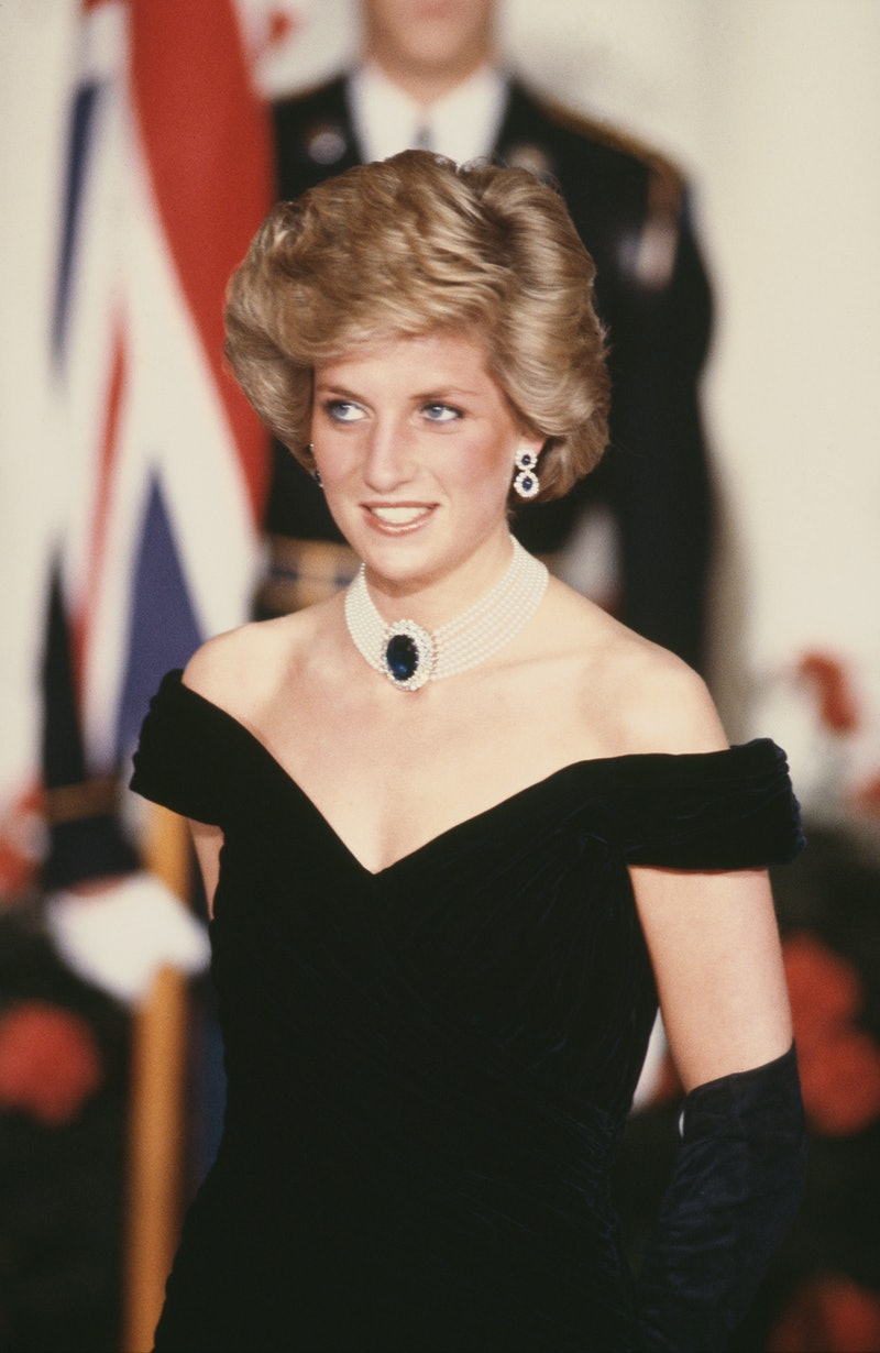 A hairstylist shares tips for updating Princess Diana's hairstyles.