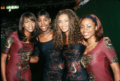 Destiny's Child performs some of their biggest '90s hits at halftime show.