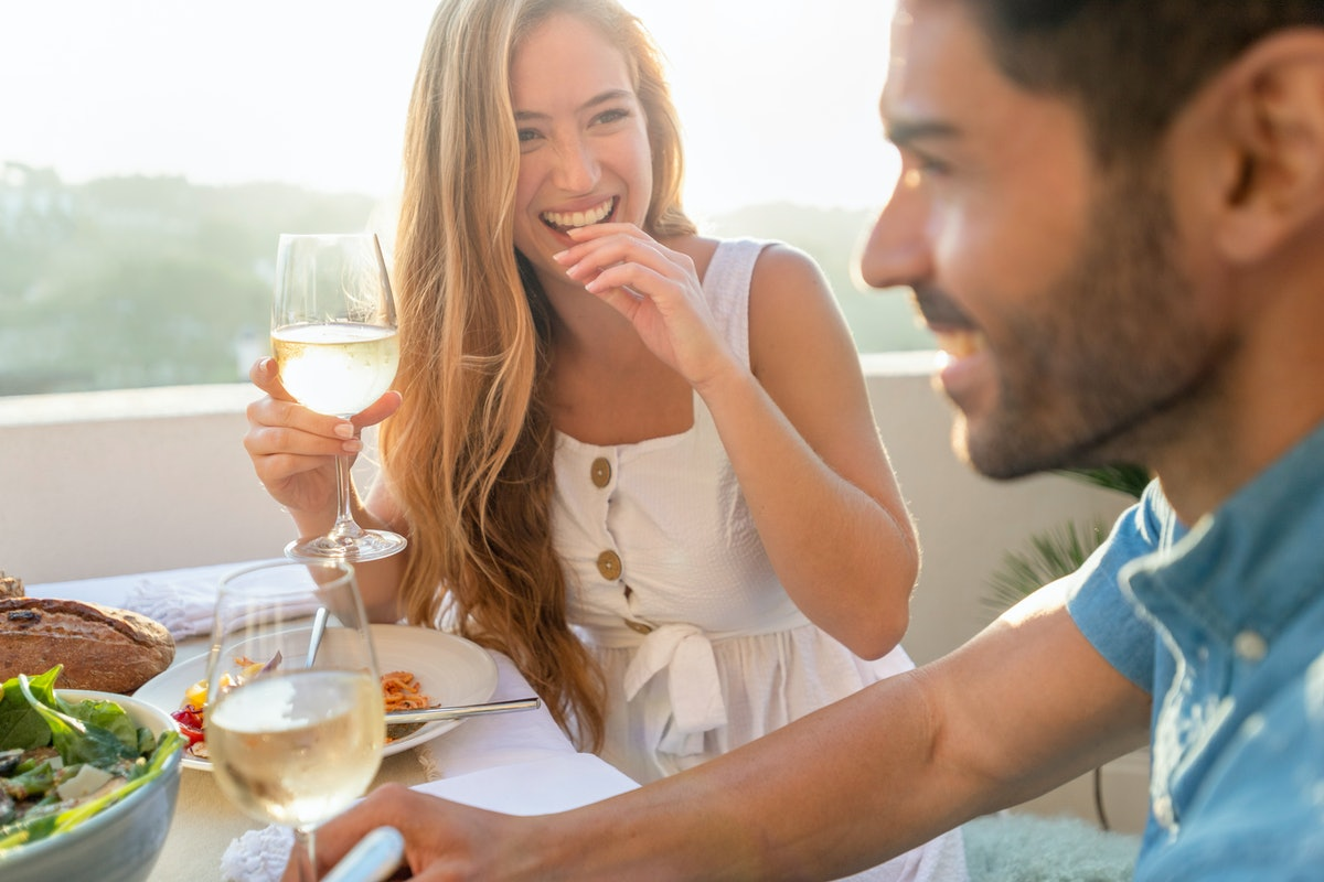 You can meet men and women at restaurants if you're looking to date.