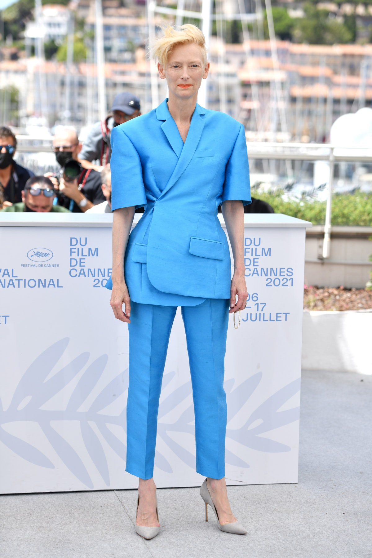 """CANNES, FRANCE - JULY 13: Tilda Swinton attends the """"The French Dispatch"""" photocall during the 74th annual Cannes Film Festival on July 13, 2021 in Cannes, France. (Photo by Lionel Hahn/Getty Images)"""