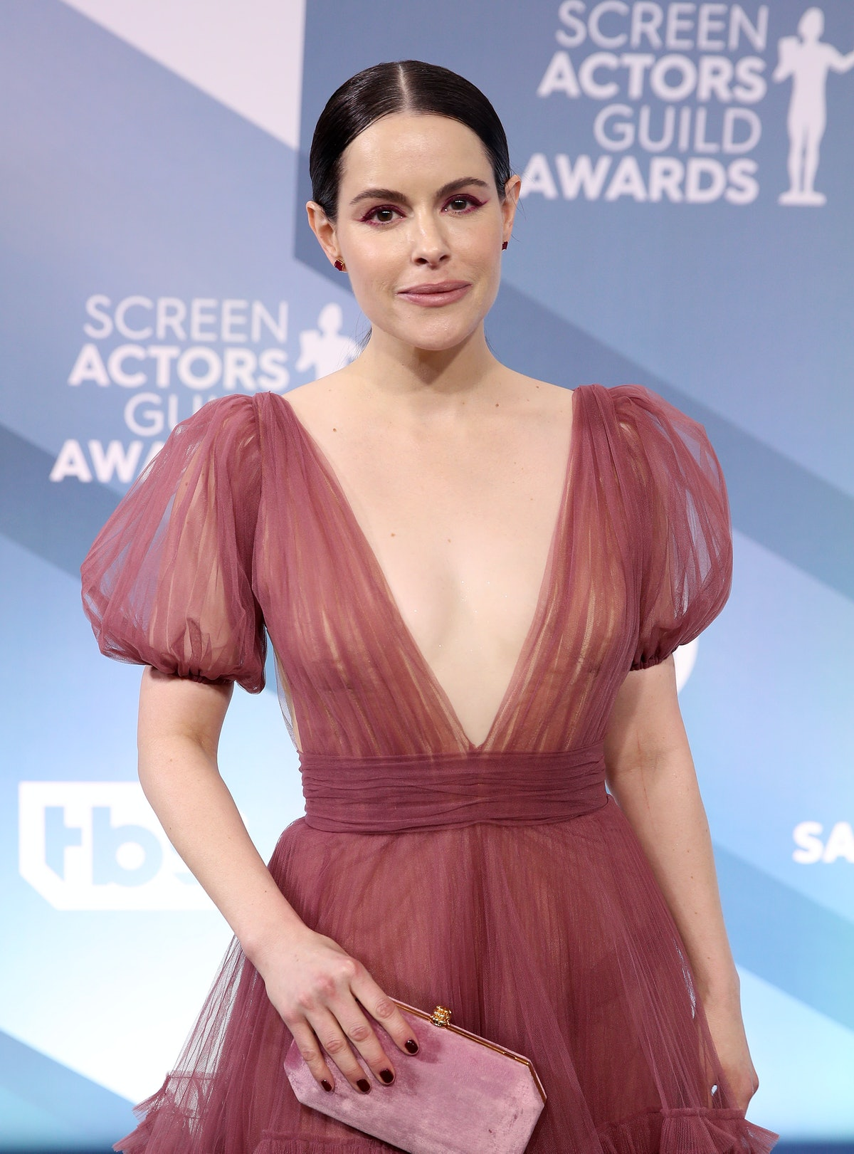 Emily Hampshire opened up about her worst first date.