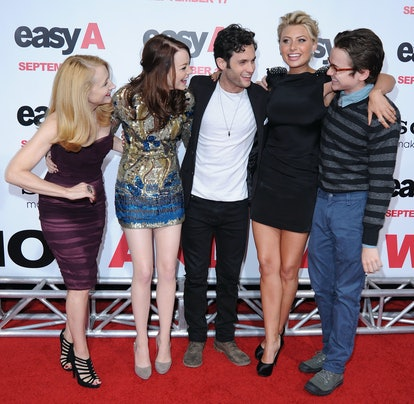 """HOLLYWOOD - SEPTEMBER 13:  (L-R) Patricia Clarkson, Emma Stone, Penn Badgley, Alyson Michalka and Dan Byrd arrive at the Los Angeles Premiere """"Easy A"""" at Grauman's Chinese Theatre on September 13, 2010 in Hollywood, California.  (Photo by Jon Kopaloff/FilmMagic)"""