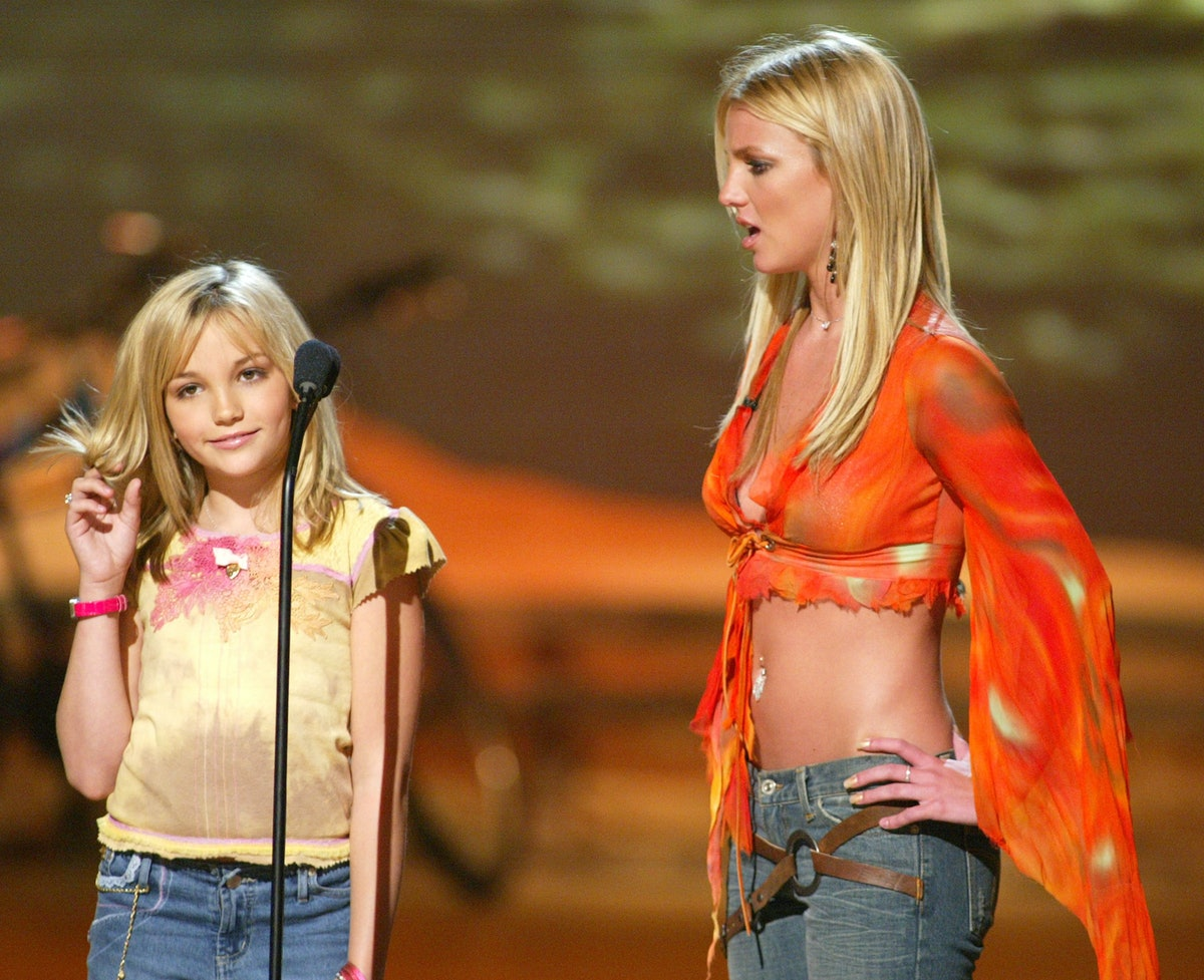 """Britney Spears and her sister Jamie Lynn Spears at """"The Teen Choice Awards 2002"""" at the Universal Am..."""