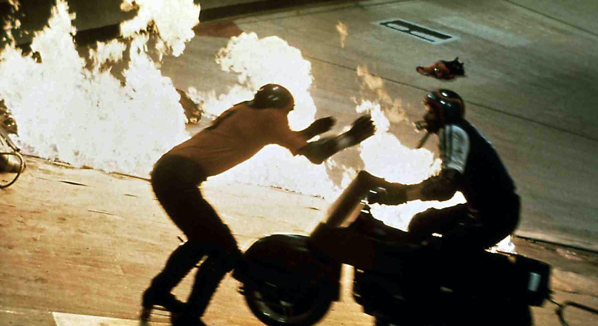 Kino. Rollerball, USA, 1975 Director: Norman Jewison Actors/Stars: James Caan, John Houseman, Maud A...