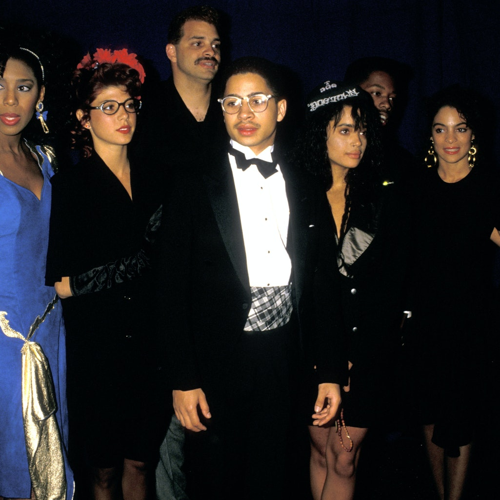 """The cast of """"A Different World"""" comes together for a photo."""