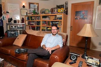 LOS ANGELES, CALIFORNIA - JUNE 27: Wil Wheaton visits The Big Bang Theory sets, now available at War...