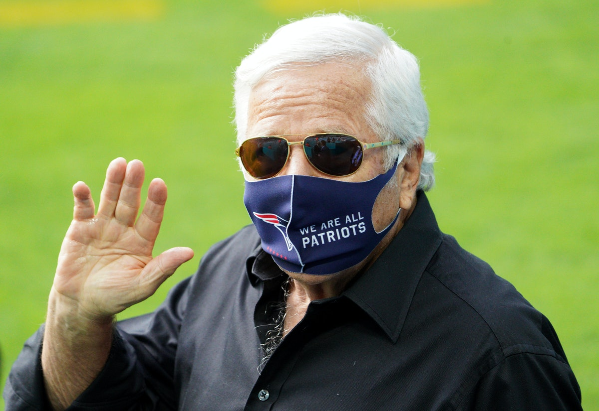 MIAMI GARDENS, FLORIDA - DECEMBER 20: Owner Robert Kraft of the New England Patriots waves before th...
