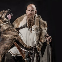 5 surprisingly altruistic reasons ancient humans and dogs came together