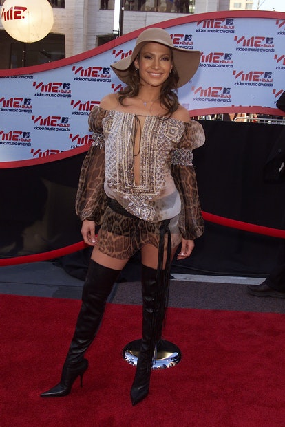 Jennifer Lopez arriving at the 2001 MTV Video Music Awards, held at the Metropolitan Opera House at ...