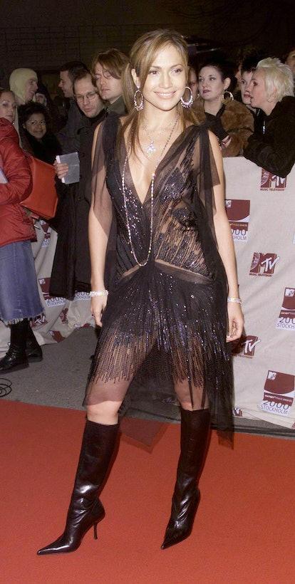 STOCKHOLM - NOVEMBER 16: American pop star Jennifer Lopez arrives at the European MTv Awards on Nove...