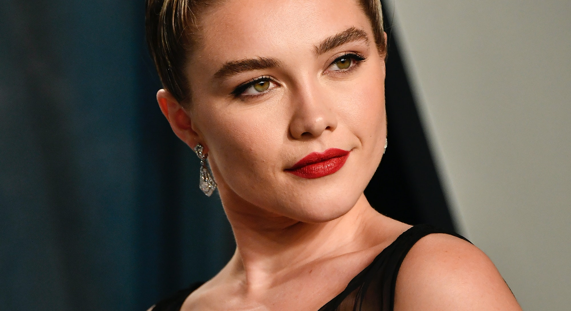 BEVERLY HILLS, CALIFORNIA - FEBRUARY 09: Florence Pugh attends the 2020 Vanity Fair Oscar Party host...