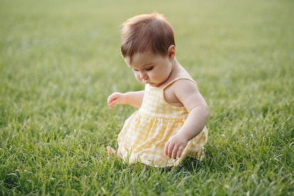 Experts explain why babies hate grass and are hesitant to touch it.