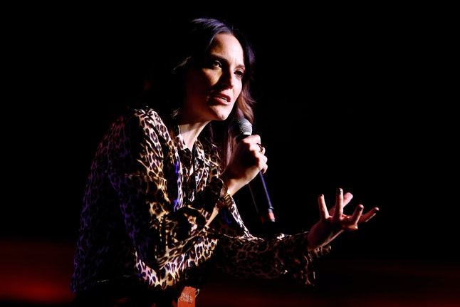 LOS ANGELES, CA - OCTOBER 15:  Comedian Jen Kirkman performs onstage during Hilarity for Charity's 5...