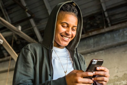 Wondering how often you should text your girlfriend, boyfriend, or partner? Experts weigh in.