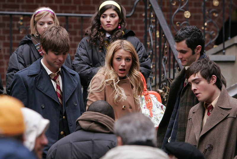 NEW YORK - NOVEMBER 27:  Chace Crawford, Blake Lively, Penn Badgley and Ed Westwick on location for ...