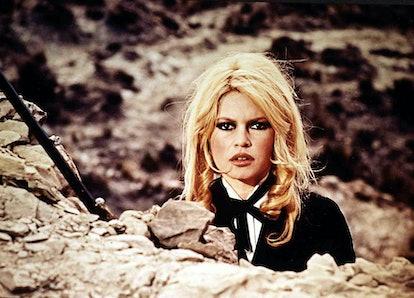 Brigitte Bardot and her famous '60 smoky eyeshadow look.