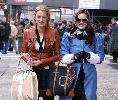 """NEW YORK - MARCH 14:  Actresses Blake Lively and Leighton Meester on location for """"Gossip Girl"""" on M..."""