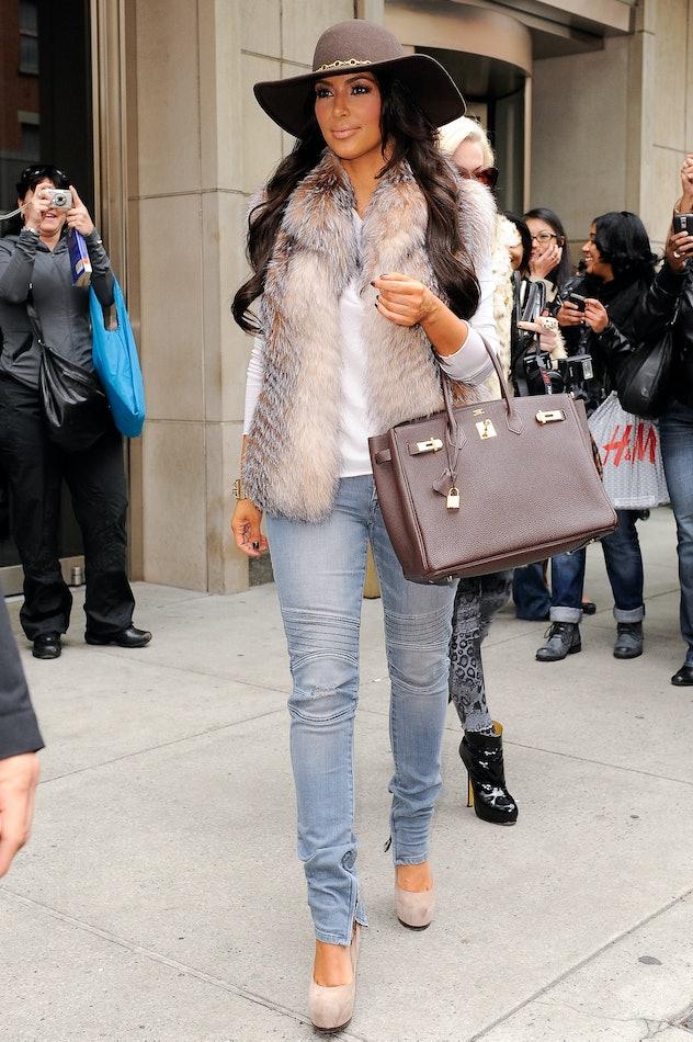 NEW YORK - OCTOBER 29:  TV personality Kim Kardashian leaves her Downtown Manhattan hotel on October...