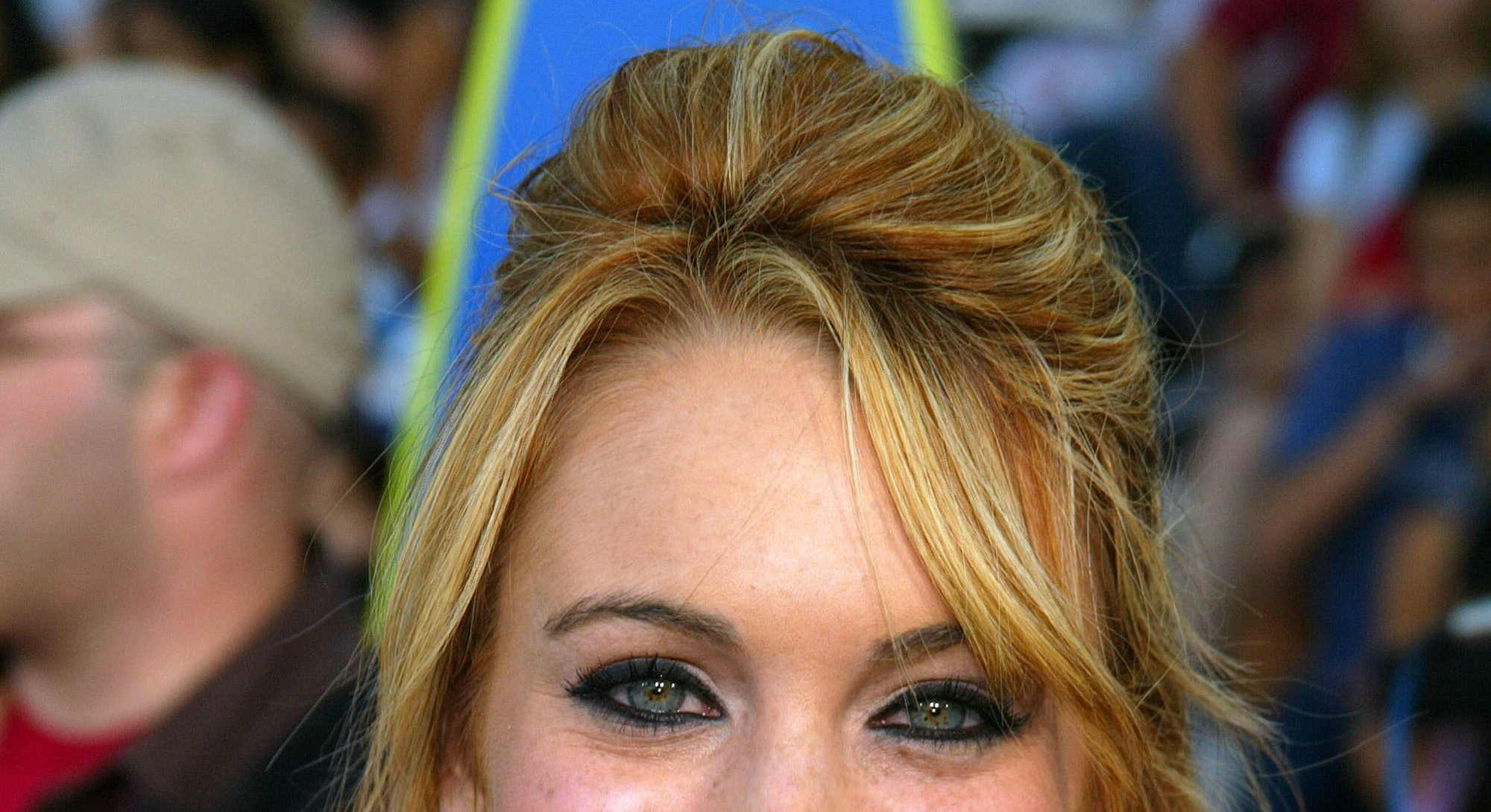 Lindsay Lohan during 2003 Teen Choice Awards - Arrivals at Universal Amphitheatre in Universal City,...