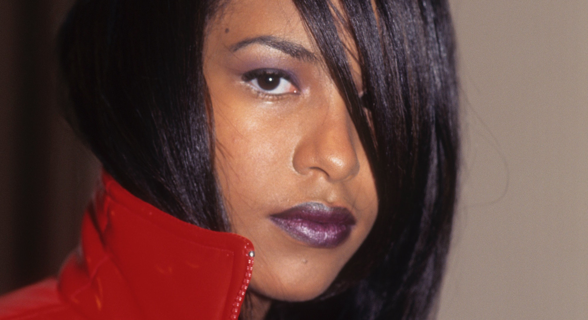 NEW YORK, NEW YORK--AUGUST 2: Musician Aaliyah appears in a portrait taken at the Vibe Magazine Fash...