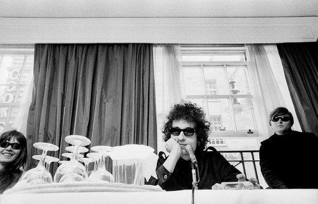Bob Dylan, portrait at a press conference at the Savoy hotel in London, May 1966. (Photo by Fiona Ad...