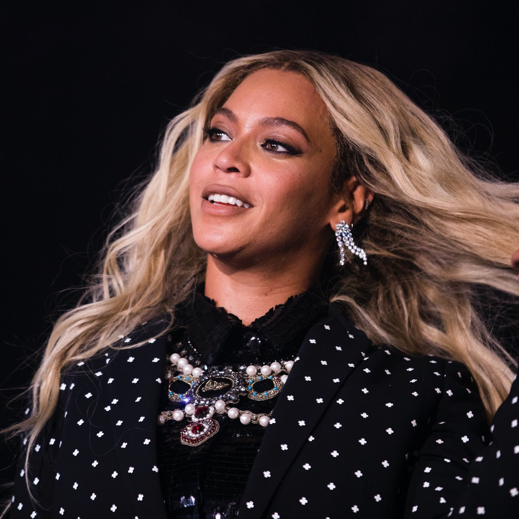 CLEVELAND, OH - NOVEMBER 04: Beyonce performs at a concert for Democratic Presidential candidate Hil...