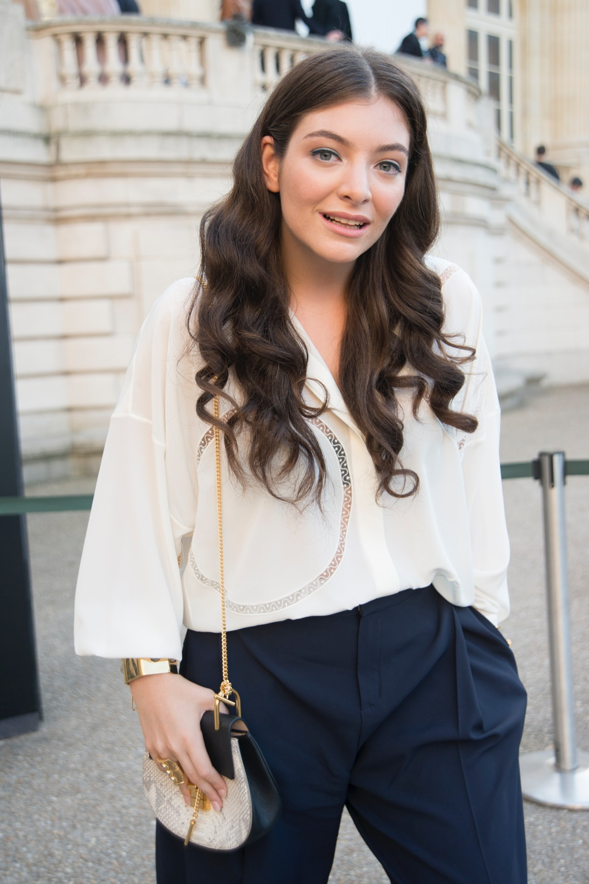 PARIS, FRANCE - MARCH 08: Pop singer Lorde wears all Chloe at the Chloe show on day 6 of Paris Colle...
