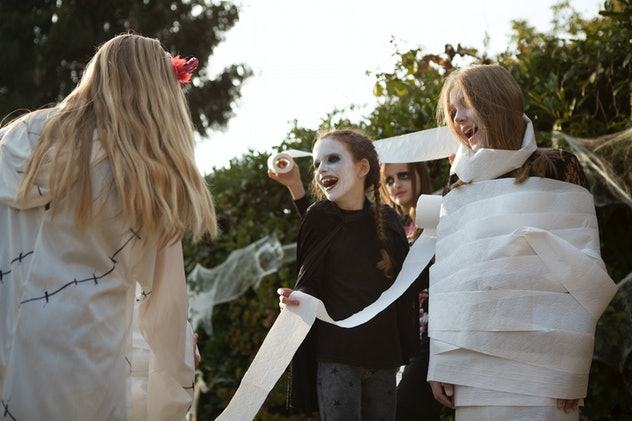 kids dressing up as zombies