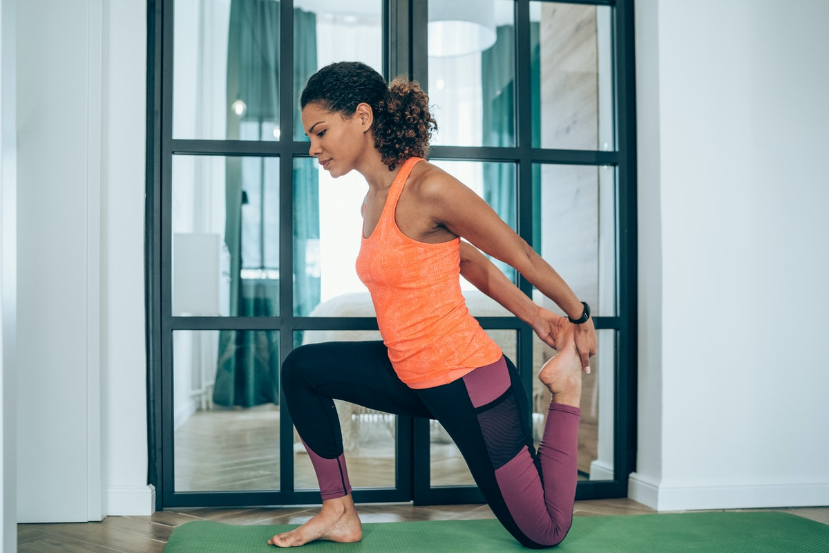 Here are the best stretches for hip pain, as recommended by trainers.