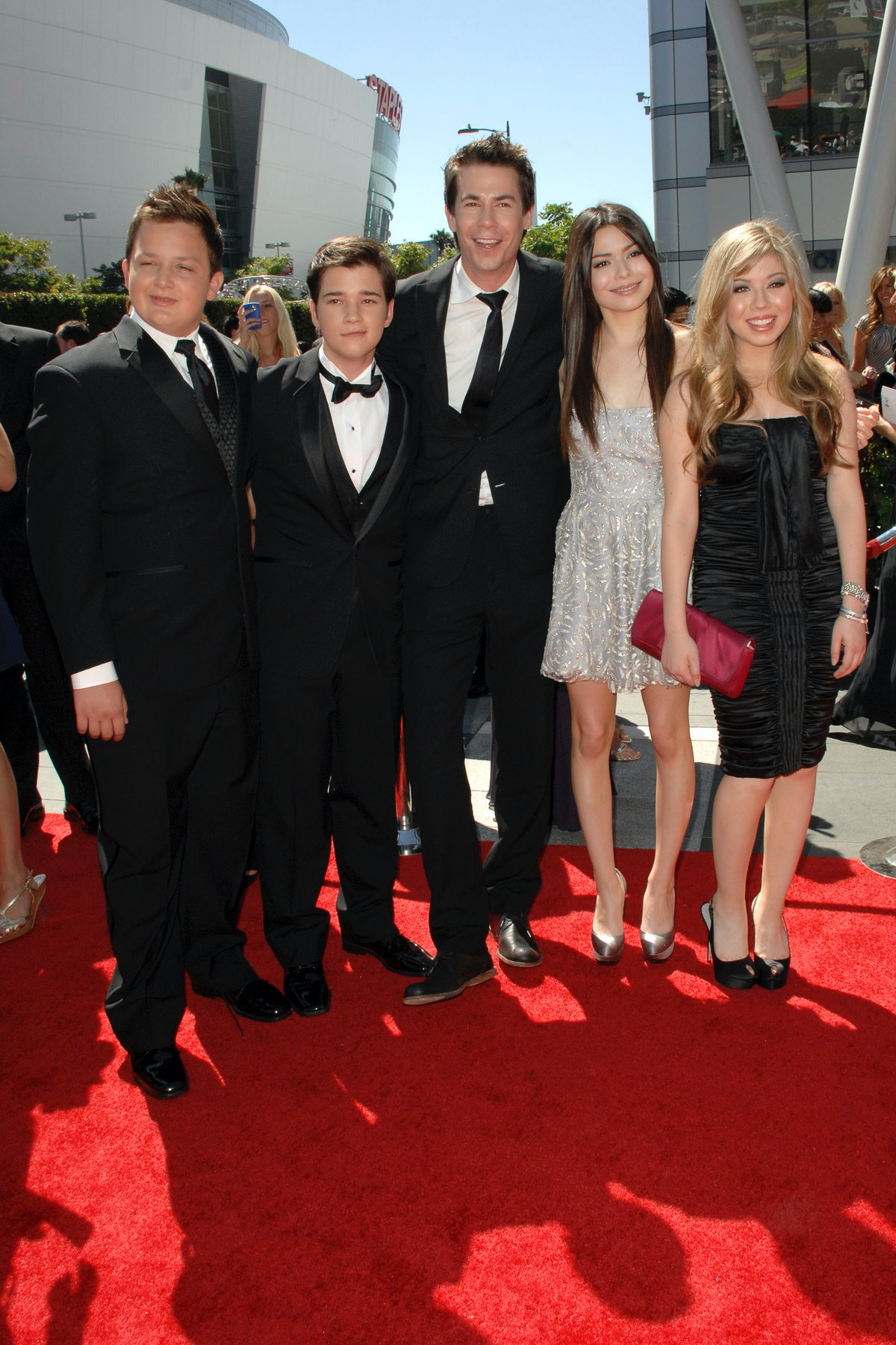 LOS ANGELES, CA - AUGUST 21: iCarly Cast attends 62nd Primetime Creative Arts Emmy Awards at Nokia T...