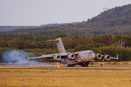 20 August 2021, Rhineland-Palatinate, Ramstein-Miesenbach: A transport plane carrying people flown o...