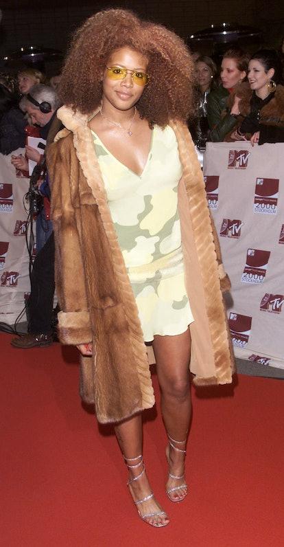 DUBLIN - NOVEMBER 11: American pop star Kelis arrives at the Mtv European Music Awards held at The P...