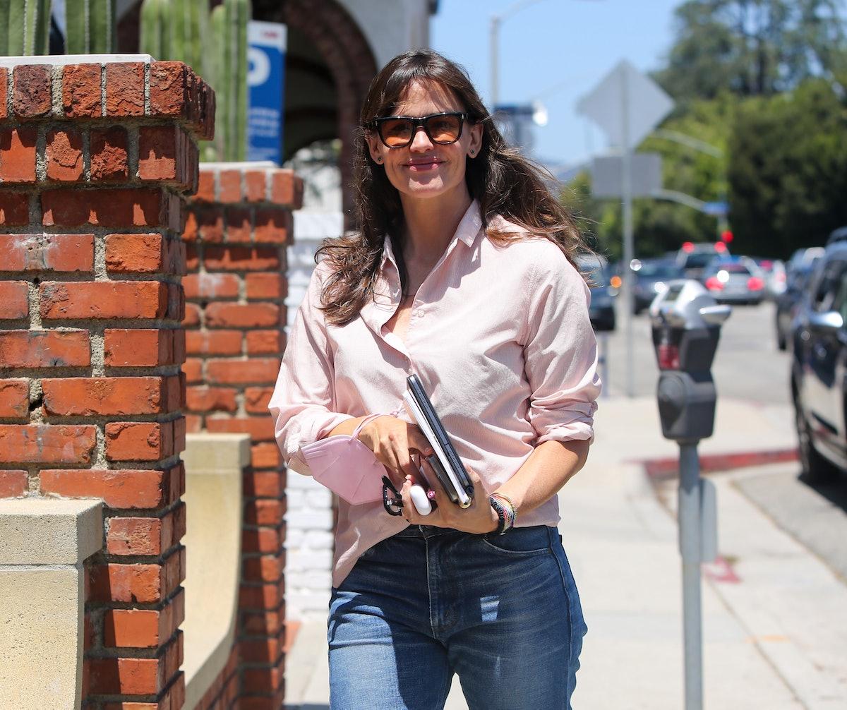 Jennifer Garner is seen in Los Angeles, California in July 2021.