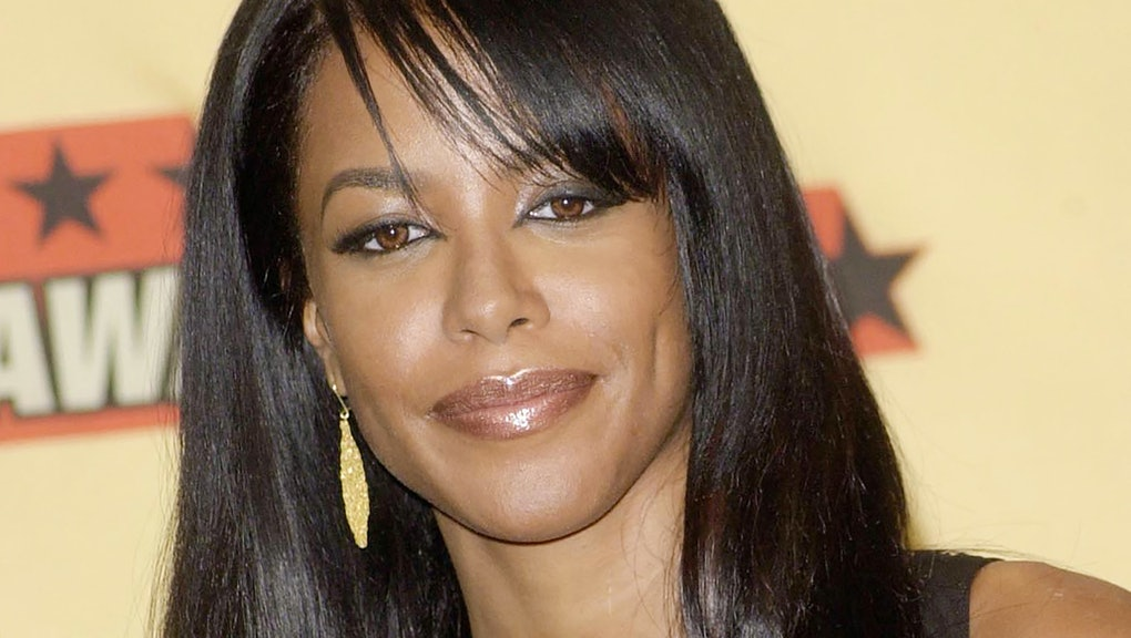 This photo taken in June 2001 shows actress-singer Aaliyah attending the 2001 MTV Movie awards in Lo...
