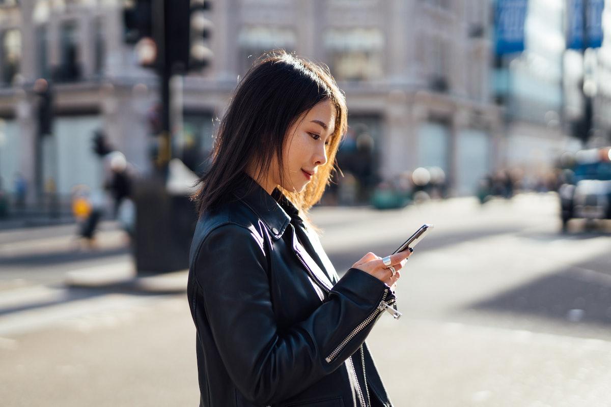 online long distance relationship