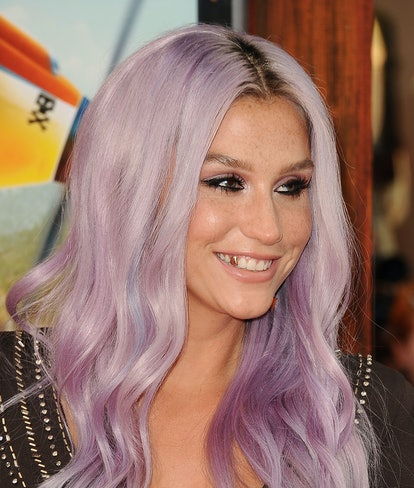 Kesha sports lilac hair in 2014.