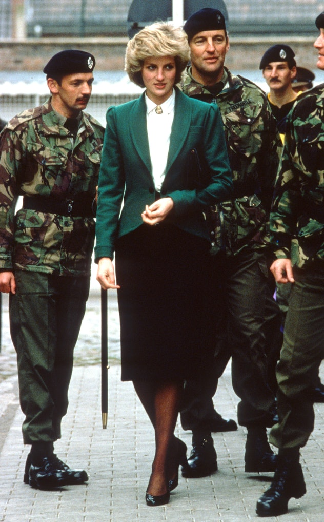 Princess Diana's green and blak suit is perfect.