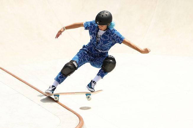 TOKYO, JAPAN - AUGUST 04: Lizzie Armanto of Team Finland during the Women's Skateboarding Park Preli...