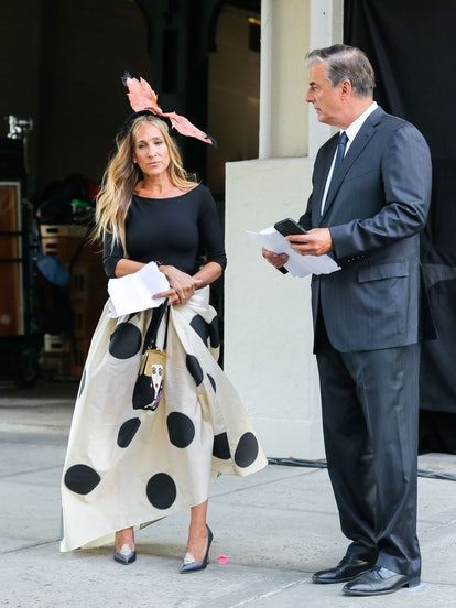 NEW YORK, NY - AUGUST 02: Sarah Jessica Parker and Chris Noth are seen at the film set of the 'And J...