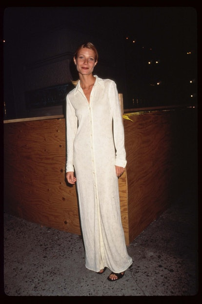 """267713 08: Actress Gwyneth Paltrow stands at the premiere of the film """"The Pallbearer"""" April 28, 199..."""
