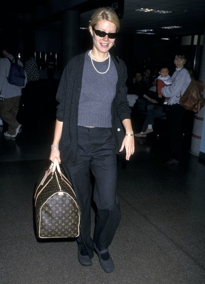 LOS ANGELES - NOVEMBER 29:   Actress Gwyneth Paltrow departs for New York City on November 29, 1998 ...