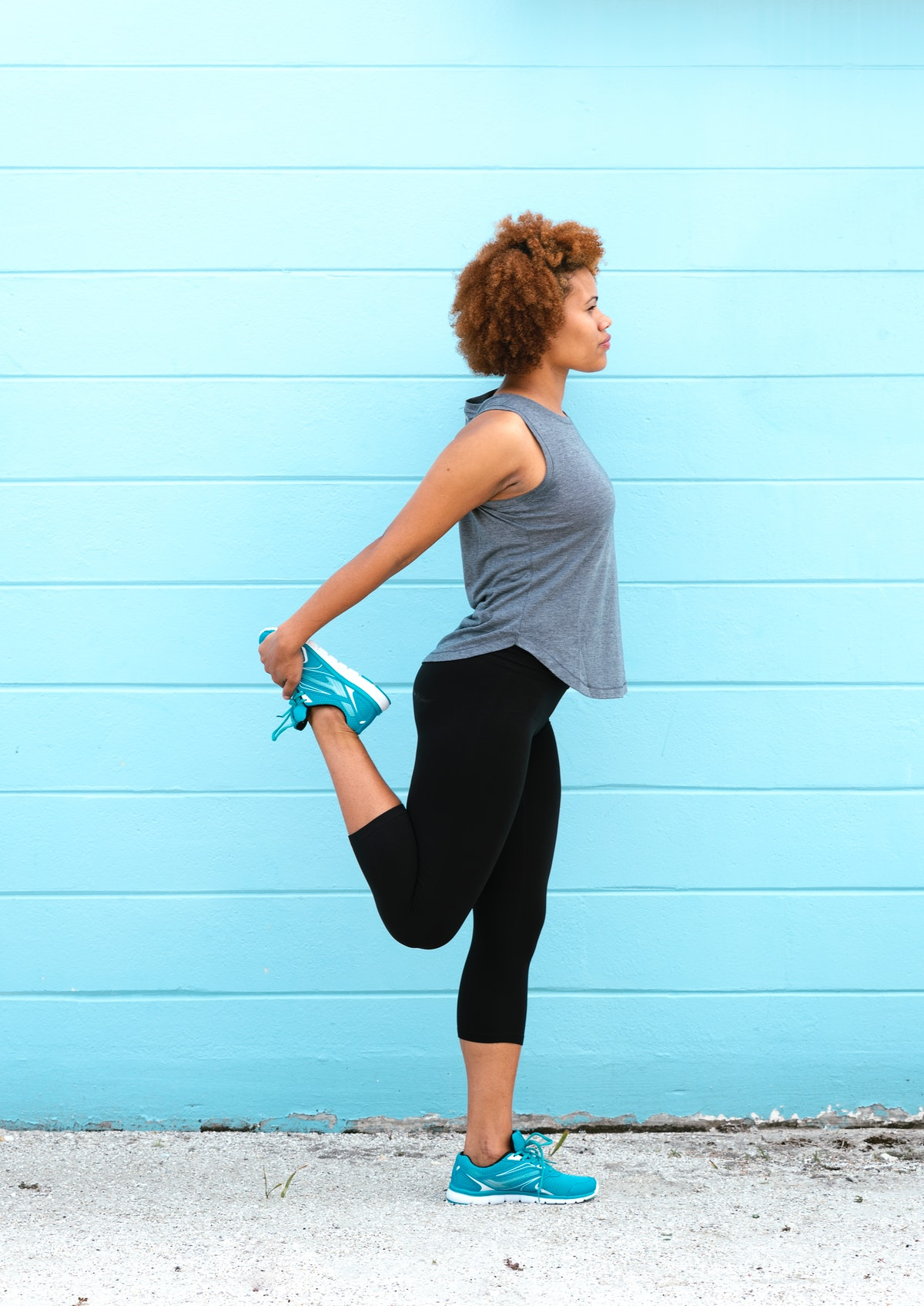 Quad stretches can help fight knee pain.