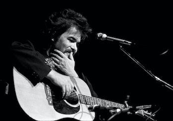 ATLANTA - APRIL 26: Singer-songwriter John Prine performs at Symphony Hall on April 26, 1974 in Atla...