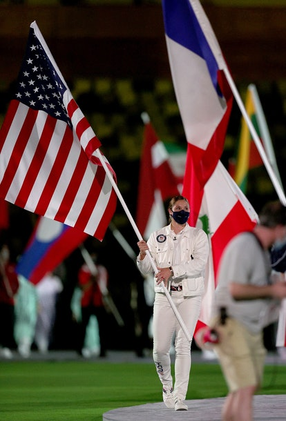 TOKYO, JAPAN - AUGUST 08: Flagbearer Kara Winger of Team United States during the Closing Ceremony o...